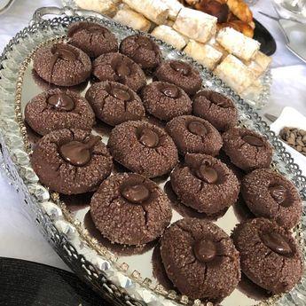 Görüntünün olası içeriği: tatlı ve yiyecek