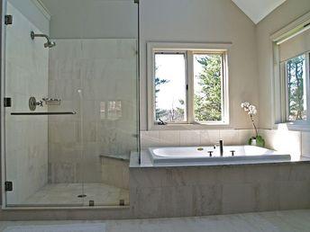 47 Cool Small Master Bathroom Renovation Ideas