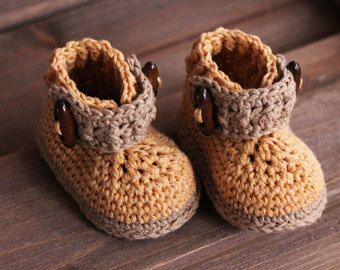 ca5a70b0a987b Download Now - CROCHET PATTERN Side-Button Boots - Pattern