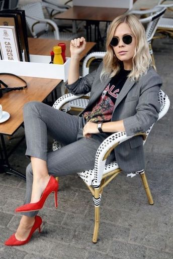 51 Best Work Outfit Ideas to Pair With Loafers