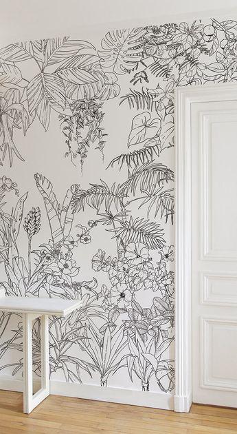Le duo d'artistes Caddous & Alvarez a créé ce papier peint Jungle Tropical pour Ohmywall dans l'esprit d'une fresque murale. Leurs dessins, imaginés et tracés à quatre mains, font apparaitre un décor mural foisonnant, apaisant, tellement évocateur. 6 couleurs - 4 formats - 24 Possibilités.