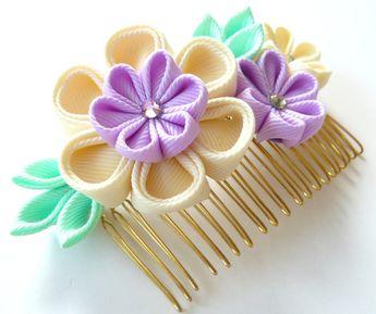 Peine del pelo de la tela Flor Kanzashi. Marfil, Orquídea y menta
