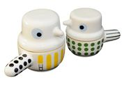 Bird pots by Swedish ceramic artist Camilla Engdahls. A charming place to store your little somethings.