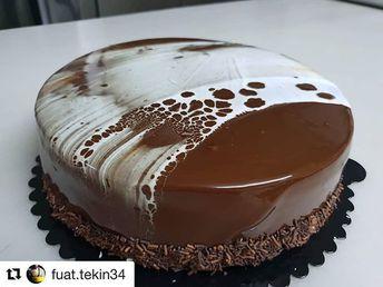 #Repost @fuat.tekin34 with @bakelikeapro white and black chocolate - - cake #trend #love #cook #beautiful #bakery #chef #copa2018 #amazing #foodphotography #bakelikeaproyoutube #chocolate #mirrorglaze #cake #cakes #patisserie