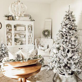 """Cozy Cottage Christmas €"""" Holiday House Walk 2015"""