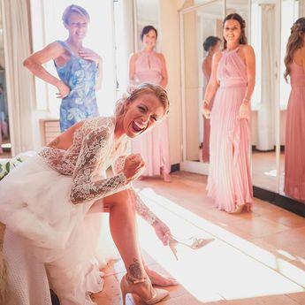 Demain c'est le départ en vacances ! et vous savez quoi ? ..... JE SUIS AU TAQUET !!!! 😍❤️ 📷 @wildroses_studio 👗 @marynea_atelier ___________________________________________________#wedding #love #holidays #latelierderoxane #teamgourmandise