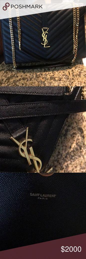 d34bee5d1c1 YSL Large Envelope Handbag Large YSL handbag. I will not accept anything  lower than  1900