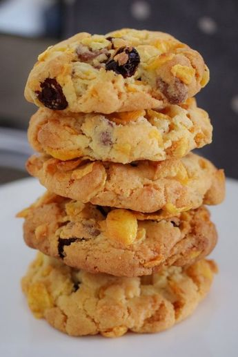 Crunchy Chocolate Chip & Sultana Cornflake Cookies