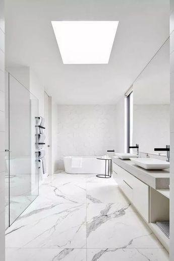 Bringing a Dash of New York into a Modern bathroom Toronto Home #bathroomideas #homeideas #bathroomremodel » homyhomez.com