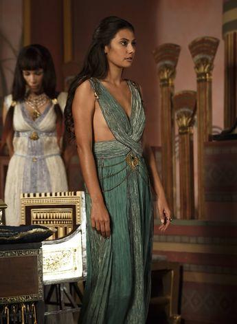 Sibylla Deen as Ankhesenamun in Tut.