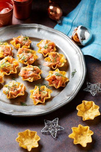 Tortilla Bowls saumon et agrumes. Mettez une touche de mexicain dans vos apéritifs de fêtes avec les tortillas bowls Old el Paso™.