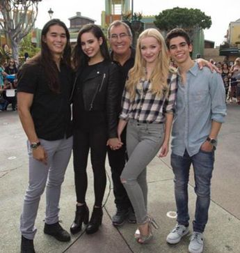 Kenny Ortega With Dove Cameron Booboo Stewart Sofia Carson And Cameron Boyce