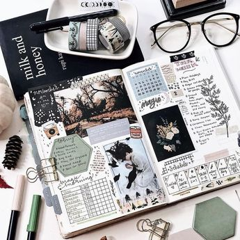 This is my monthly and weekly bujo. My weekly form... - #Bujo #form #ideas #Monthly #Weekly