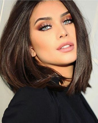 Popular Fascinating Smokey Eye Makeup Ideas for Trending this Year 37 #smokeyeyemakeup #eyemakeupideas #makeupideas