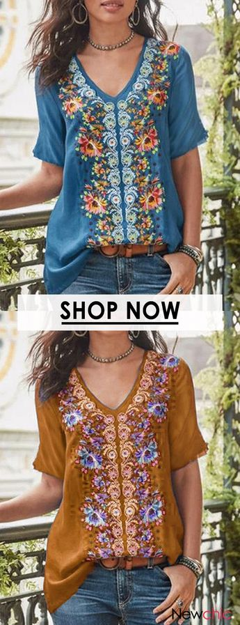 Floral Print V-neck Short Sleeve Casual T-shirt.