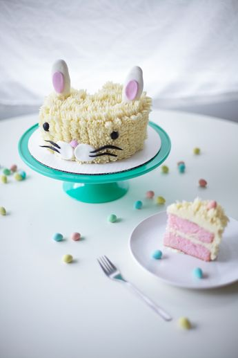 Make the Cutest Easter Bunny Cake: A FREE Tutorial