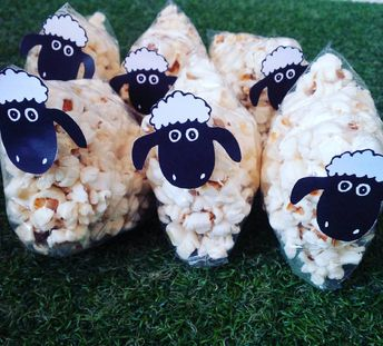 "Safiyyajeena on Instagram: ""#popcornsheep #popcorn #sheep #farm #farmanimals #eiduladha  #Eid #preschoolcrafts #toddlercrafts #kindergartencrafts #preschool…"""
