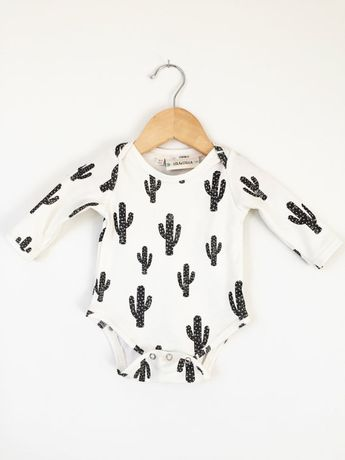 Cactus baby onesie // organic baby clothes // baby clothing // long sleeve bodysuit // organic baby clothes // modern baby clothes