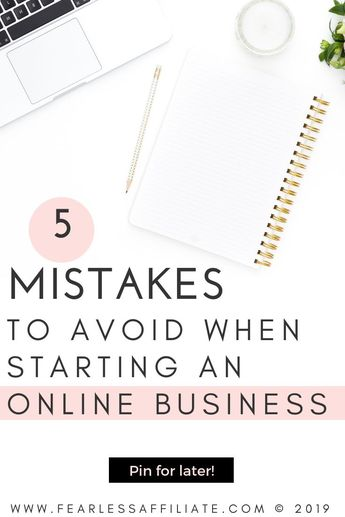 Starting an online business is challenging and rewarding at the same time. While you are super busy in the early stages, take note of these 5 mistakes to avoid. They are an easy fix for blogger burnout and lack of traffic or sales. #onlinebusiness #businessmistakes #businessplan #businessgoals #mailerlite #emailmarketing #businesssuccess #onlinesuccess #passiveincome