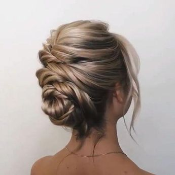 updo hairstyles, wedding hairstyles, wedding hairstyle for long hair #weddingupdosforlonghair