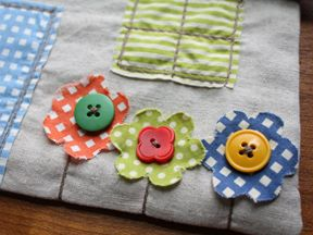 this is a tutorial for a house pouch, but i love the details and will use them on my wonky house quilt block
