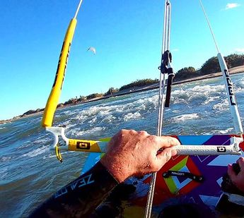From pics_bcnReady to Start my Kite-Season this weekend in Riumar, Deltebre, Catalunia...this picture is from my last 2016 session in November... #kitesurfing #kiteboarding #riumar #deltadelebre #deltebre #surfing #sunnyday #beach #beachlife #happy #radic
