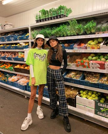 "Natacha & Melanie 🦖🦋 on Instagram: ""The one where you should eat your vegetables kids 🥒 // @motelrocks"""