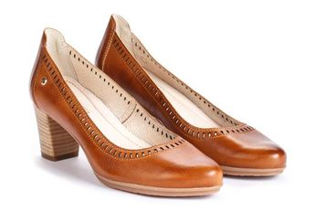 bbd81369a Find your Women s Leather Shoes SEGOVIA W6L W6L-5689 in Pikolinos. Up to -