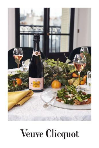 Veuve Clicquot Rosé peut s'accorder avec des mets raffinés mais aussi avec les plats plus simples.
