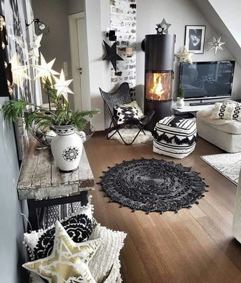 BLACK & WHITE BOHEMIAN (1) lots of patterns & textures (2) eclectic mix of furniture (3) lots of pillows and rugs (4) collection of paper lanterns. #bohemian #boho #blackandwhite