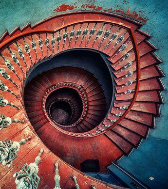 Découvrez les 25 plus beaux escaliers en spirale du monde
