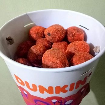 bucket Of happiness! thanks mOm! i lOve yOu pO ng BIGtime! #chocobutternut #chocobutternutdonut #chocobutternutmunchkins #dunkindonuts #baskinandrobins #food #foodporn #foodstagram #foodgasm #foodphotography #foodie #foods #healthyfood #tagaytay #tagaytaycity #igers #igersph #igersdaily #igersoftheday #viral #trending #bts #ikon #blackpink #followme @bts.kusinerong_biyahero #blessed #godspeed #healthyfood #foodie #healthy #food #foodporn #healthyeating #instafood #fitness #keto #instagood #love