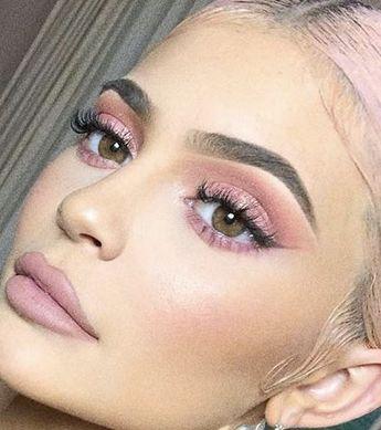 Idée Maquillage 2018 / 2019  : pink