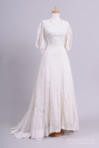 3fa88bf3447 1950 Sea Pearl Lace Vintage Wedding Gown