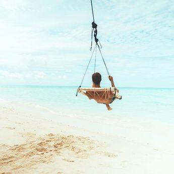 Se laisser porter par le vent en attente dinspiration.   . . . . . . . #voyage #instavoyage  Se laisser porter par le vent en attente dinspiration.   . . . . . . . #voyage #instavoyage #love #women #maldives #sea #beach #men #voyageursdumonde #vacances #voyages #paradis #nature #travel #blue #relax #vacation #passionvoyage #paradisiaque #travelgram #model #maldives #zen #lifeguard #palmtrees #weedinplace #heaven