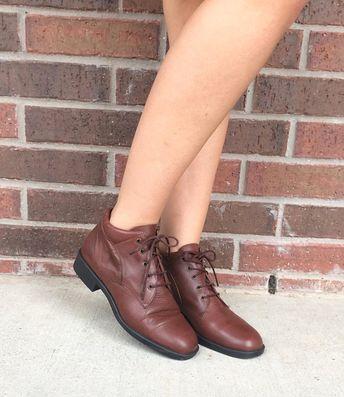 096e23faf9833 vtg 80s LACE UP Cream Leather Ankle BOOTS flats 7.5 boho o