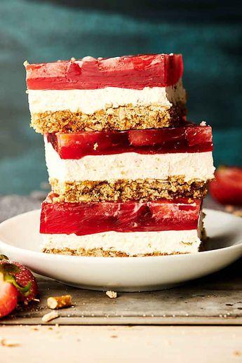 Easy Strawberry Pretzel Salad