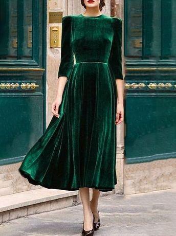 Elegant Pleated Velvet Maxi Dress - Green (S/M/L/XL) $32.99