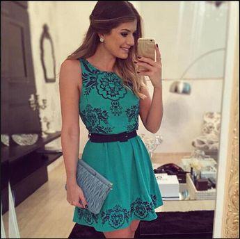 609689bf27 Dress Us Vestido rodado estampado com bojo com ziper costa