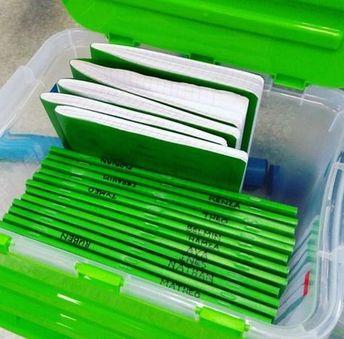 Les caisses à cahiers