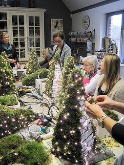 Impressies tijdens workshop 'Kerstworkshop' bij creatief atelier Zandstorm.