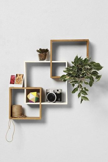 18 Idei de rafturi din lemn cu un design asimetric