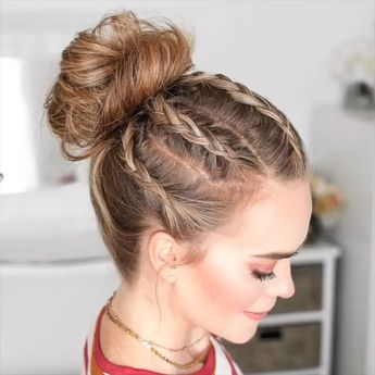 Do you wanna learn how to styling your own hair? Well, just visit our web site to seeing more amazing video tutorials! #hairtutorials #braidtutorials #hairvideo #videotutorial #updotutorials #LongHair