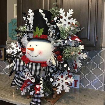 Snowman Wreath, Christmas wreath, Christmas decor, Christmas decorations, black and white ribbon