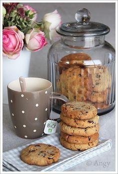 Cookies noisettes, noix, chocolat