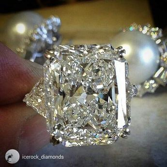 I just want to dive in this gorgous diamond from @icerock_diamonds