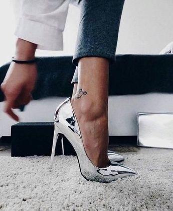 Metallic Silver Shoes #highheelspumps