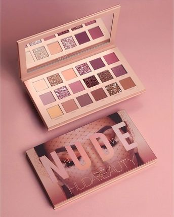 Huda Beauty Nude Palette Holiday 2018 SWATCHES