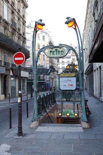 Paris | Metro Reaumur-Sebastopol