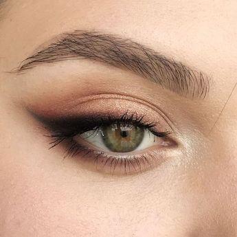 Quelle couleur de make-up pour les yeux verts